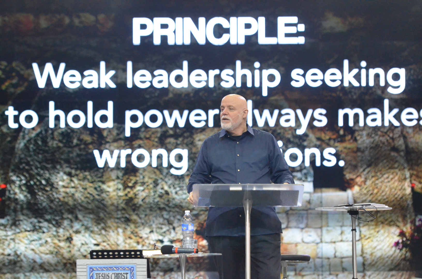 Pastor David Sumrall teaching the principles of leadership in the School of the Cross